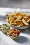 aviko flying buffet_ Country Cooking Pure & Rustic frites met twee cottagecheese dipsauzen 1a