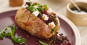 Puy Lentil, Beetroot and Feta Jacket with Rocket m